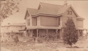 Edward L and Emma Parris Home, 318-320 W Broadway, Newton