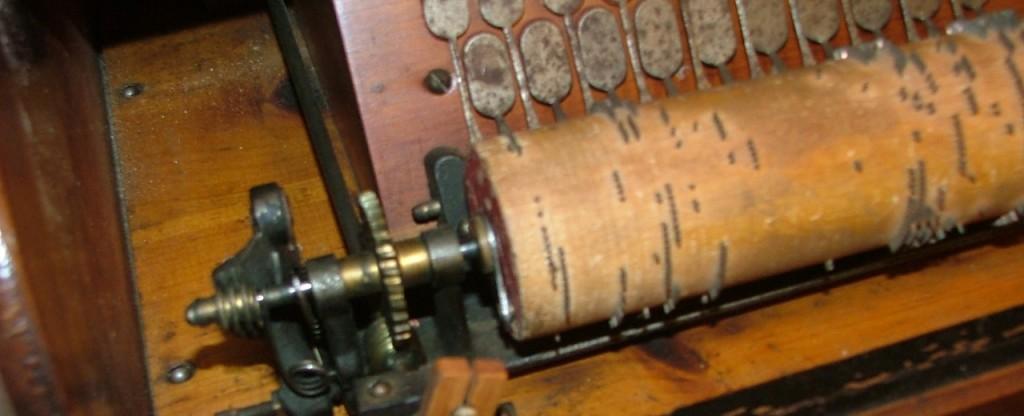 roller organ detail